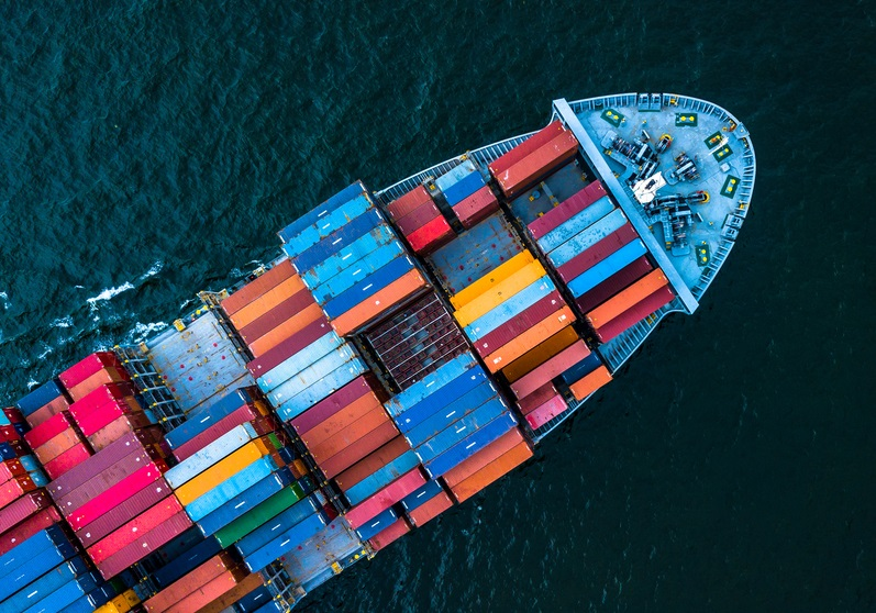 A ship filled with cargo containers